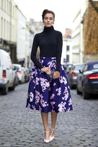 from brussels with love blogger midi skirt floral skirt turtleneck t-strap heels
