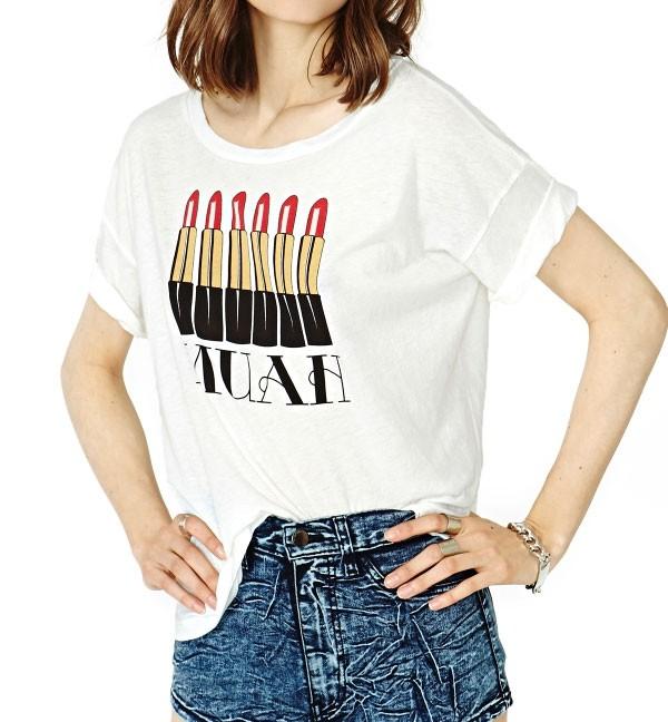 Lipstick Kiss Print Drop Shoulder T-shirt