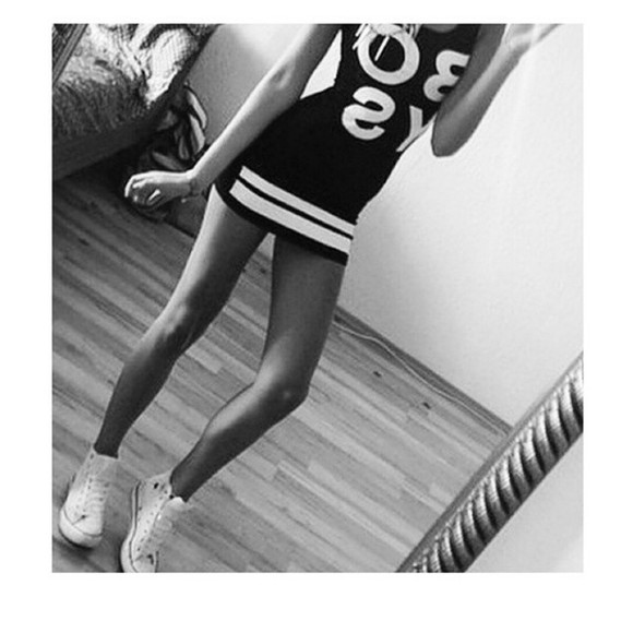 guys black and white dress thinspo help me please!