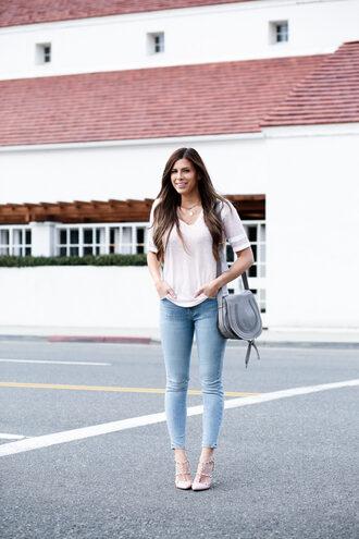 mint arrow blogger bag dress t-shirt shoes shoulder bag grey bag skinny jeans valentino rockstud pumps spring outfits
