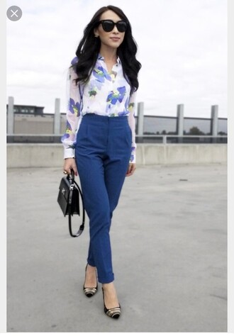 blouse pants blue shirt office outfits blue pants floral shirt white shirt sunglasses black sunglasses bag black bag pumps black pumps preppy