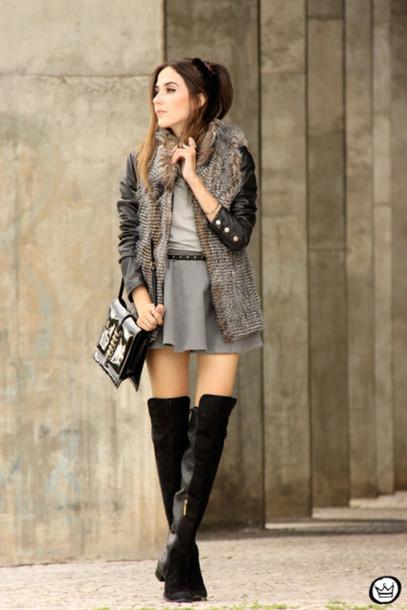 fashion coolture blogger skirt knee high boots faux fur vest mini skirt circle skirt grey skirt jacket t-shirt bag shoes grey fur vest