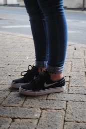 shoes,nike,nike shoes,black,blair,black nike janoskis,janoski's,janoskis,black trainers