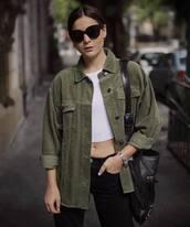 jacket,green jacket,long sleeves,oversized jacket,black jeans,shoulder bag,crop tops,sunglasses