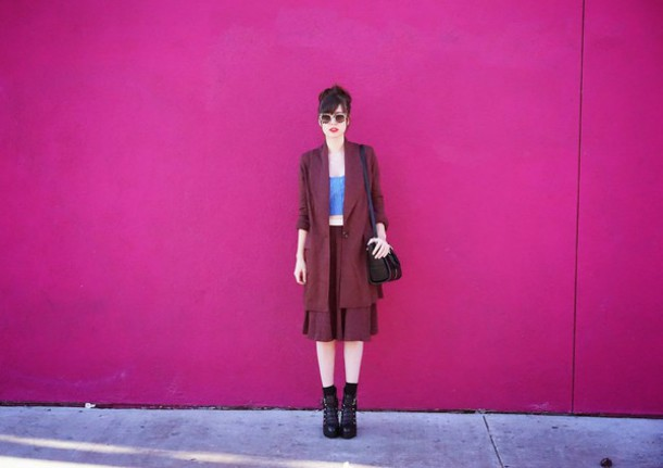 a fashion nerd blogger jacket skirt sunglasses culottes crop tops burgundy top bag shoes jewels
