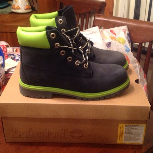 Reduced limited ed. navy & limegreen timberlands from ashley's closet on poshmark