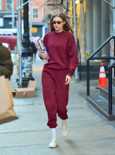 sweater burgundy burgundy sweater gigi hadid model off-duty streetstyle casual sweatpants