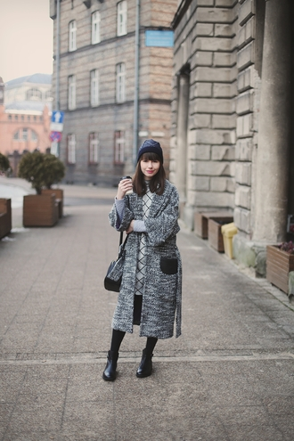kapuczina blogger grey coat long coat knitwear
