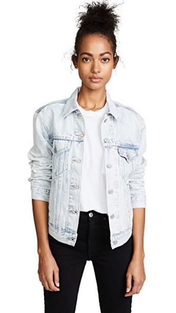 Levi's jacket boyfriend