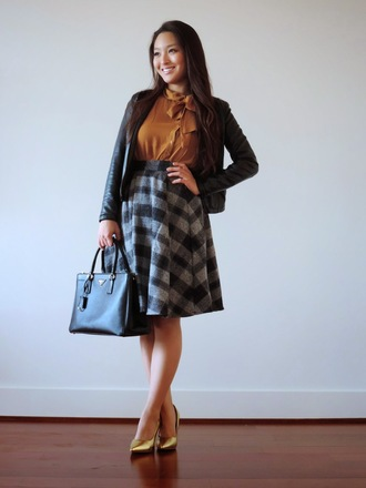 sensible stylista blogger jacket blouse bag circle skirt office outfits