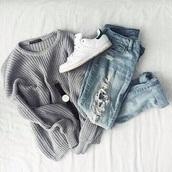 sweater,grey,grey sweater,sweatshirt,sweater weather,wool sweater,wool,knitwear,knitted sweater,comfy,jeans,ripped jeans,boyfriend jeans,fall sweater,winter sweater
