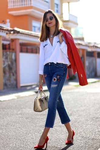 marilyn'scloset blogger shirt jeans shoes bag jacket red jacket white shirt pumps red heels handbag