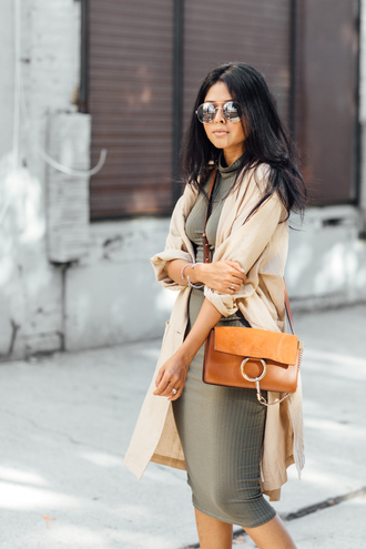 walk in wonderland blogger dress classy khaki knitted dress brown leather bag office outfits duster coat midi knit dress grey knit dress mirrored sunglasses aviator sunglasses
