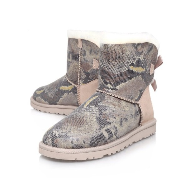shoes, ugg boots, uggs with bows, uggs boots bailey bow brown, uggs#uggsaustralia, australia, boots, snake print, snake shoes, bow, bows, cute, pretty, ...