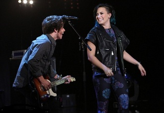 jacket vest pants top demi lovato leggings