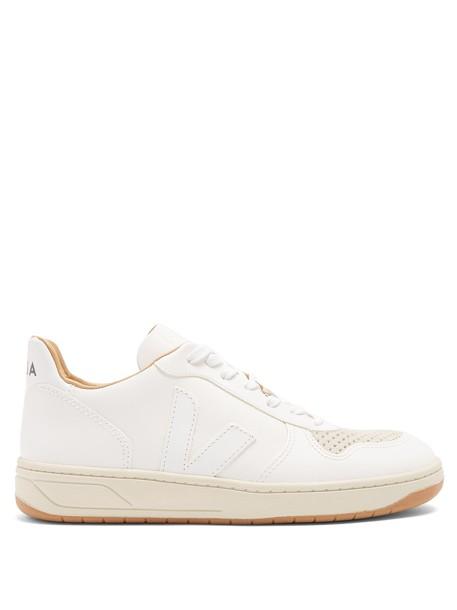 Veja top leather white