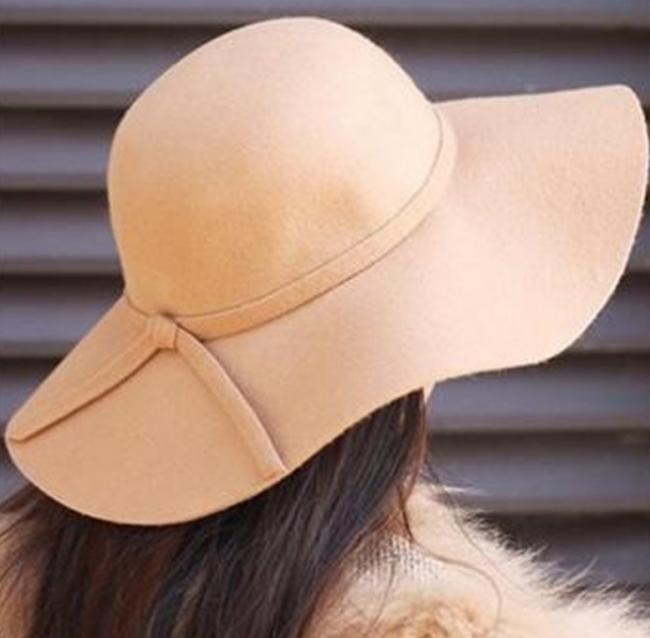 Boho beige floppy hat