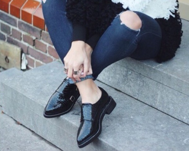 shoes black black heels black shoes black boots black bootie fashion ripped jeans jeans denim hipster indie beautiful fall outfits boots booties trendy outfit dark style swag cute high heels