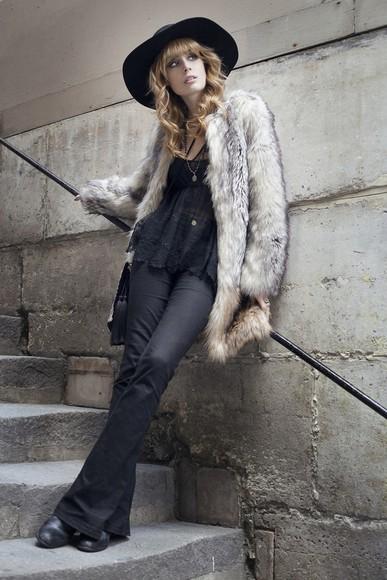 folk blogger jewels bag jeans top blouse miss pandora flare fur coat make-up