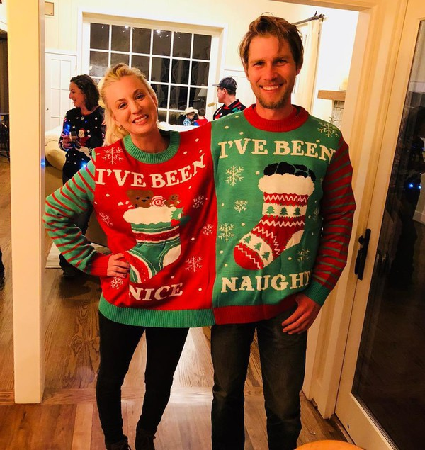 sweater christmas sweater kaley cuoco celebrity style celebrity big bang theory