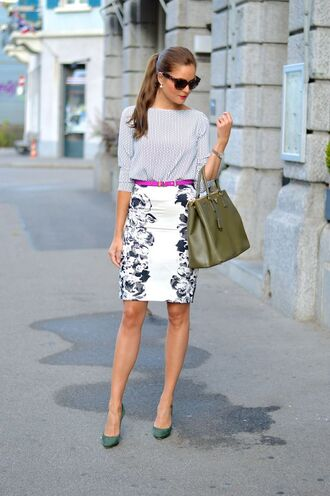 skirt fucsia belt green pumps office outfits pencil skirt white skirt top chic top bag prada bag prada belt sunglasses pumps