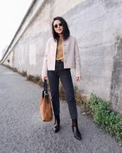 jacket,wool jacket,cropped jacket,sweater,knitted sweater,jeans,black jeans,high waisted jeans,ankle boots,crocodile,shoulder bag,sunglasses