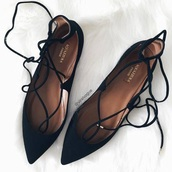 shoes,flats,black,black shoes,black flats,flat sandals,strappy flats,pointed flats,black lace up,lace up,ballet flats