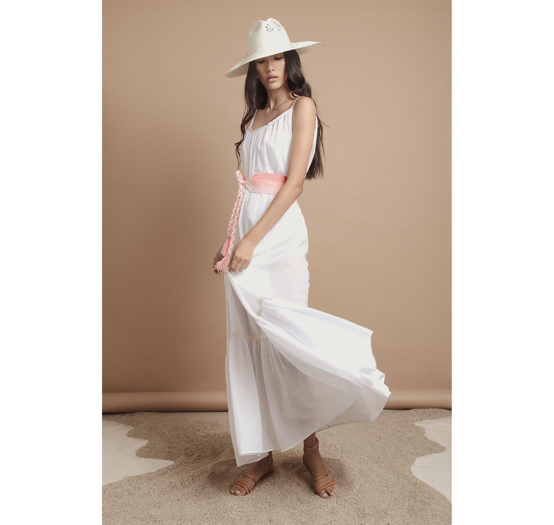 CLASSIC FLOWY MAXI DRESS WITH BELT