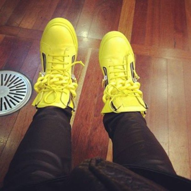 shoes swag chicago bulls instagram style pants beautiful shoes amazing cool  stylish swag black yellow sexy 79b885ded96