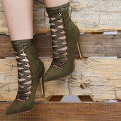 shoes,ankle boots,high heels boots,army green
