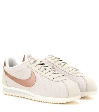 classic sneakers beige shoes