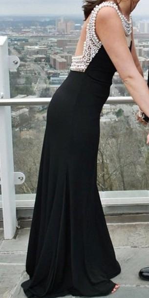 dress black dress black prom dress pearls necklase pearls dress prom dress prom dress dress long black dress