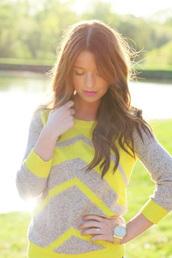 sweater,yellow,chevron,beige,shirt
