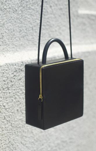 bag purse shoulder bag boxy gold black and gold all black and gold wishlist opening ceremony designer bag