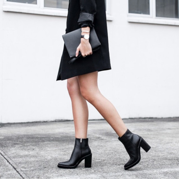watch clothes boots fall outfits black boots pouch