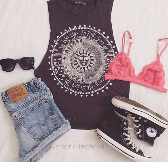 shirt grey black short sleeved shorts white summer outfits