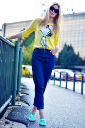 ag on i ya,blogger,jeans,snoopy,cartoon,sunglasses