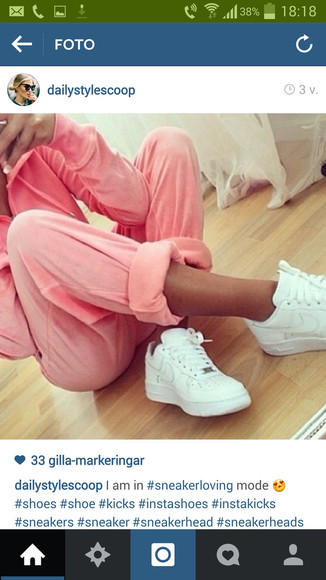 pink pants in love
