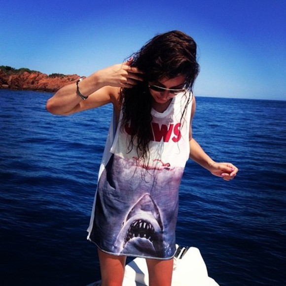baggy tshirt tank top eleanor calder jaws shirt jaws