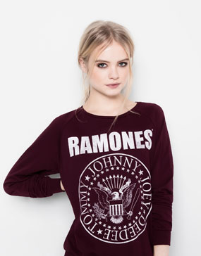 THE RAMONES SWEATSHIRT - NEW PRODUCTS - WOMAN -  PULL&BEAR United Kingdom