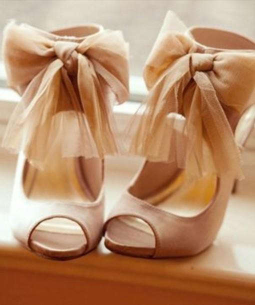 shoes high heels pink pastel stilettos prom shoes homecoming bows tan bow nude peep toe peep toe pumps nude high heels wedding shoes chiffon vintage sandal heels swimwear beige cute