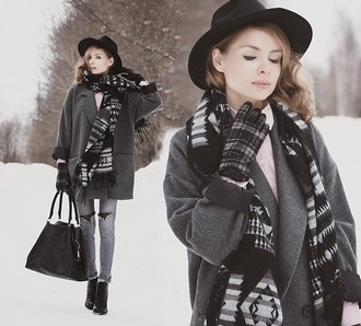 tini tani blogger gloves charcoal grey jeans ripped jeans fedora knitted scarf grey coat tartan winter outfits