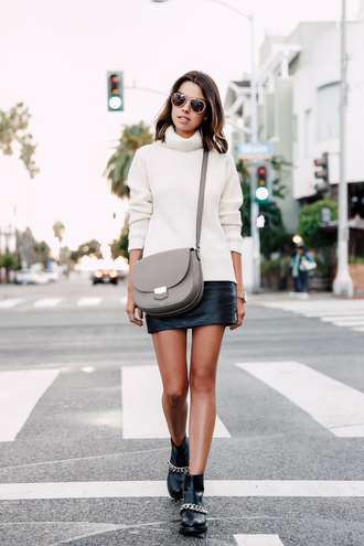 viva luxury blogger grey bag black leather skirt leather skirt turtleneck mini skirt and ankle boots white sweater aviator sunglasses flat boots ankle boots minimalist bag