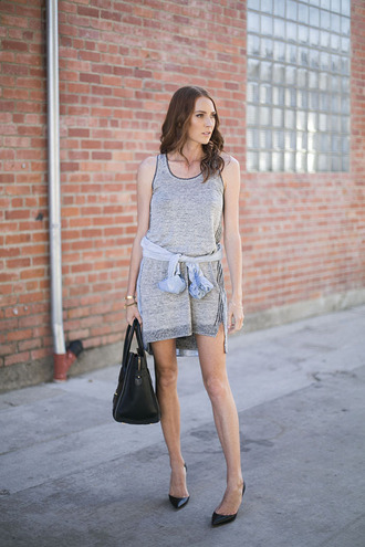 could i have that blogger grey dress casual