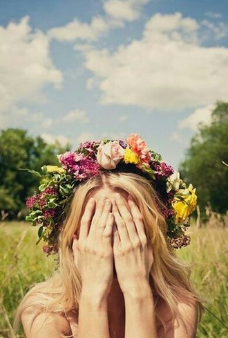 hat flower crown flowers girly summer outfits blonde hair hair/makeup inspo