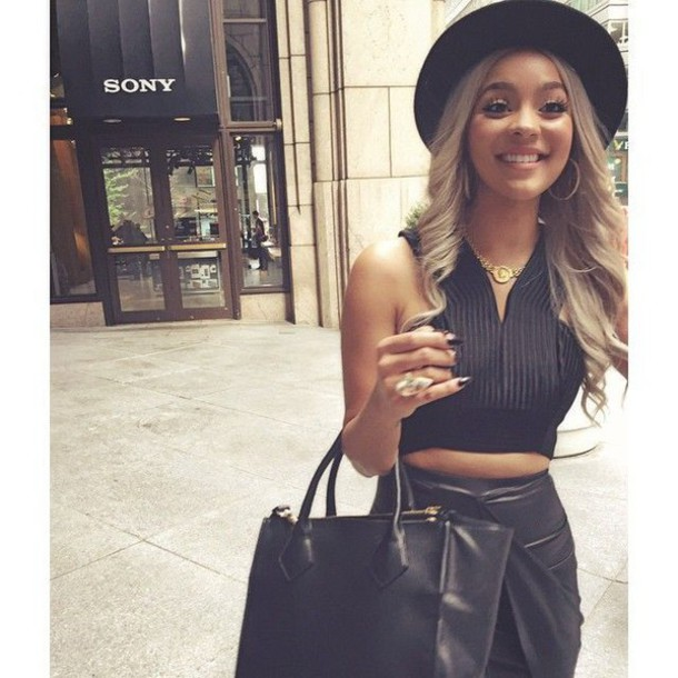 skirt leather skirt black leather skirt shirt crop tops jewelry hat fedora black jewels