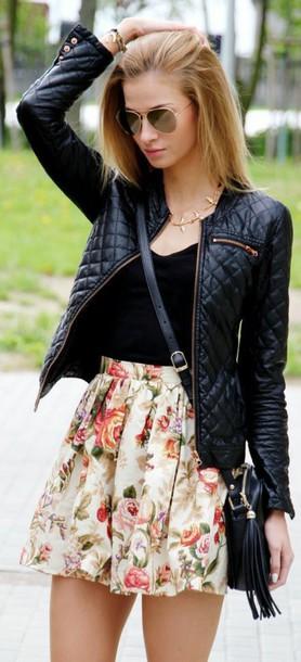 skirt flowerskirt flowers pajamas jacket black leather jacket floral skirt tank top black tank top leather jacket gold necklace