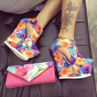 shoes bag heels fashion wedges floral floral shoes colorful purse summer shoes summer outfits clutch pink summer wedges summer accessories high heels floral heels peep toe floral high heels flowers purple orange yellow heel holidays gorgeous