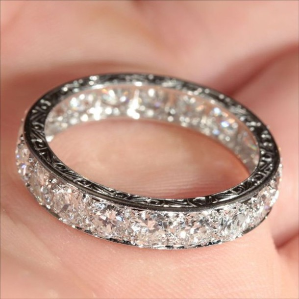 jewels ring silver ring crystal diamonds engraved ring sparkle sparkle jewelry diamonds beautiful karat bling silver bag where can i get this ring princess ring wedding ring silver ring rings and jewelry rings and tings crystal bangle the bling ring vintage french purity ring love platinum wedding marriage engagement ring engagement ring jewelry nail accessories