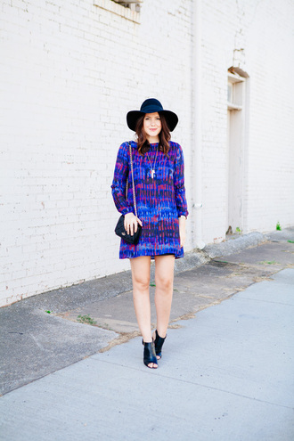 kendi everyday blogger dress shoes hat jewels